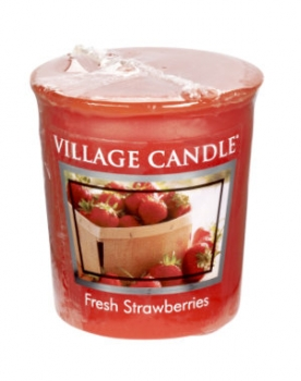 Village Candle Fresh Strawberries Votivkerze 57 g